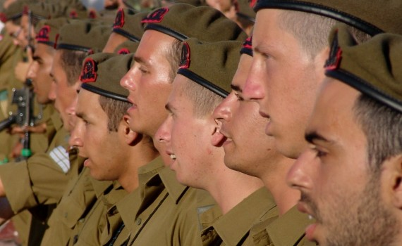soldiers-197797_1280